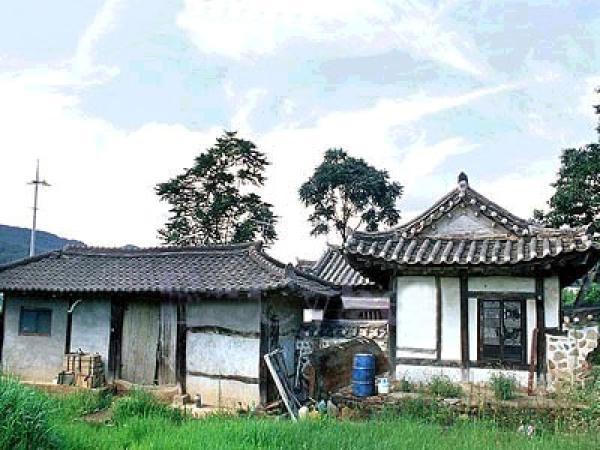 house8.jpg